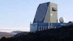 Pentágono confirma veracidad de imágenes de radar de 9 OVNIs rodeando un barco de Armada de EE.UU.