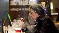 Walmart anuncia que dejadrá de vender cigarrillos electrónicos en todas la sucursales de EE. UU.