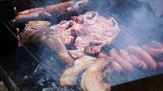 Planean barbacoa masiva frente a casa de una vegana que demandó a sus vecinos por cocinar carne
