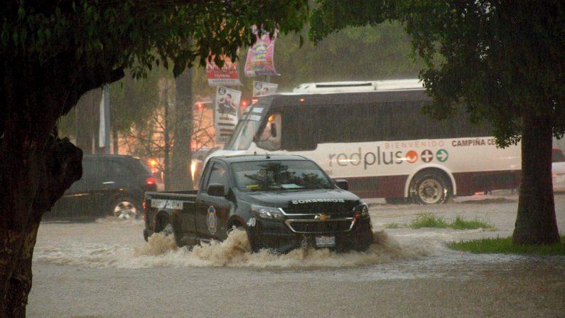 Fotografía este viernes de las afectaciones del ciclón Lorena en la ciudad de Culiacán, el estado de Sinaloa (México). EFE/Juan Carlos Cruz