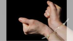 Este truco te puede salvar la vida: cómo liberarte fácilmente de una atadura de manos