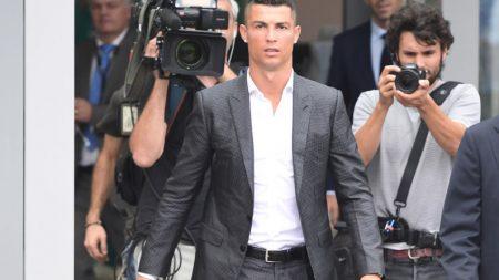 Cristiano Ronaldo busca a las meseras que le regalaban comida cuando era apenas un niño