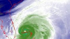 Imágenes de algunos peores momentos del huracán Dorian soportados en la isla Gran Bahama (Vídeo)