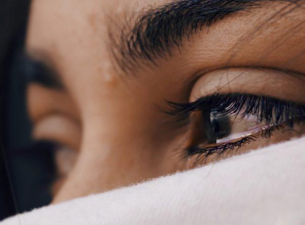 ojos irritados, ojos llorosos