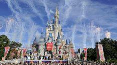 """Disney World parece una """"ciudad fantasma"""" en medio del huracán Dorian, según reporte"""