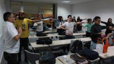 Estudiantes de medicina en Colombia encuentran bienestar físico y espiritual en una práctica milenaria