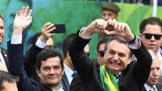"""Bolsonaro """"está listo para el combate"""" días después de recibir el alta médica"""