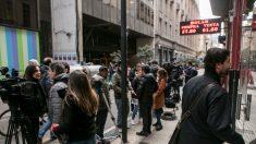 Mercados abren con incertidumbre tras imposición de restricciones cambiarias en Argentina
