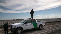 EE.UU. pide a México hacer más en inmigración pero aleja amenaza de aranceles