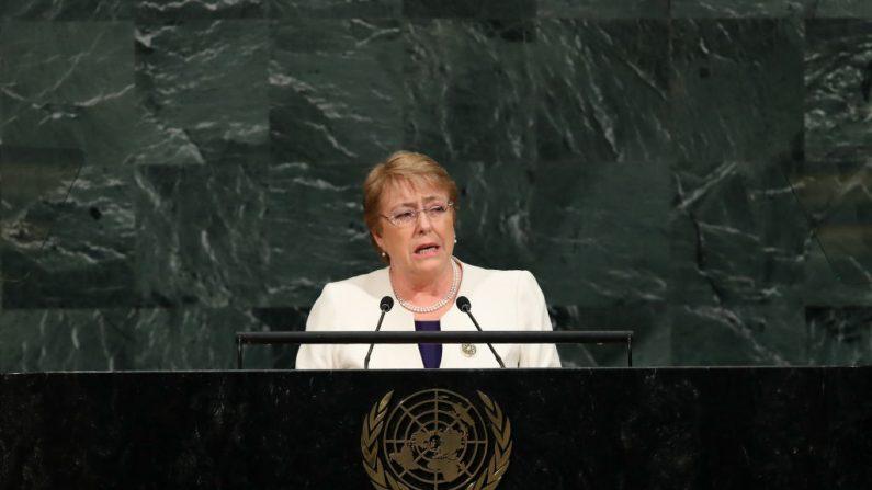 Michelle Bachelet, la alta comisionada de las Naciones Unidas para los Derechos Humanos, se dirige a la Asamblea General de las Naciones Unidas en una foto de archivo. (Foto de Drew Angererer/Getty Images)