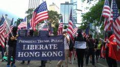 Manifestantes de Hong Kong pedem apoio aos EUA diante de interferência de Pequim e violência policial