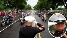 Marine soporta más de 3 horas con la muñeca quebrada para honrar a los soldados caídos