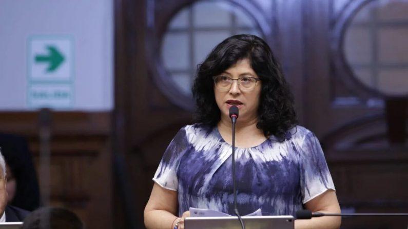 La diputada Echevarría de la bancada Acción Republicana presentó un proyecto de ley para que padres de familia vigilen contenidos educativos. (Congreso de la República)