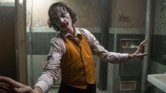 """Joaquin Phoenix nega que """"Coringa"""" seja exaltação à violência"""