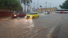 Lorena vuelve a ser huracán cerca de península de Baja California de México