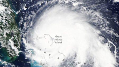 Furacão Dorian mata pelo menos cinco nas Bahamas