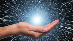 Prestigioso cosmólogo sostiene que el Universo es una creación divina y desafía la teoría del Big Bang