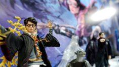 """Escuela prohíbe libros de Harry Potter: el sacerdote dice que enseñan a """"invocar espíritus malignos"""""""