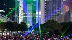"""""""Volvimos"""": Cientos de miles de hongkoneses celebran el aniversario de las protestas masivas de 2014"""
