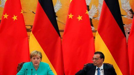 Merkel finaliza visita à China com campanha pelo multilateralismo