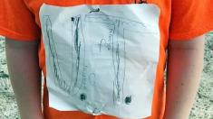 Niño es víctima de bullying por hacer a mano logo de su equipo de fútbol, ahora ellos usarán su diseño