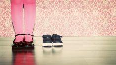 Menina de quatro anos fica à beira da morte depois experimentar sapatos novos