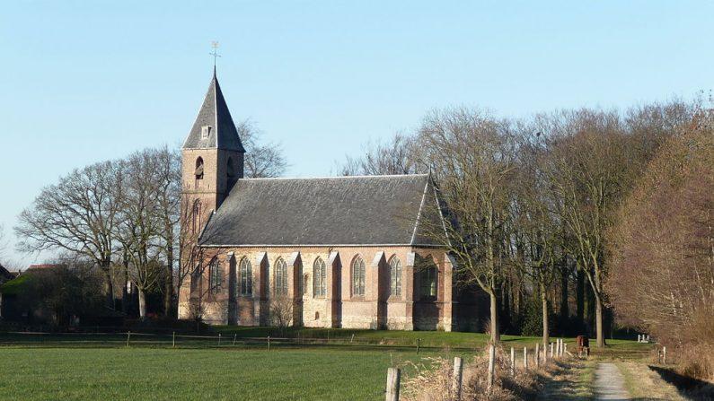 En Ruinerwold un miembro de una secta dejó encerrados a sus hijos durante nueve años en un sótano (Wikimedia)