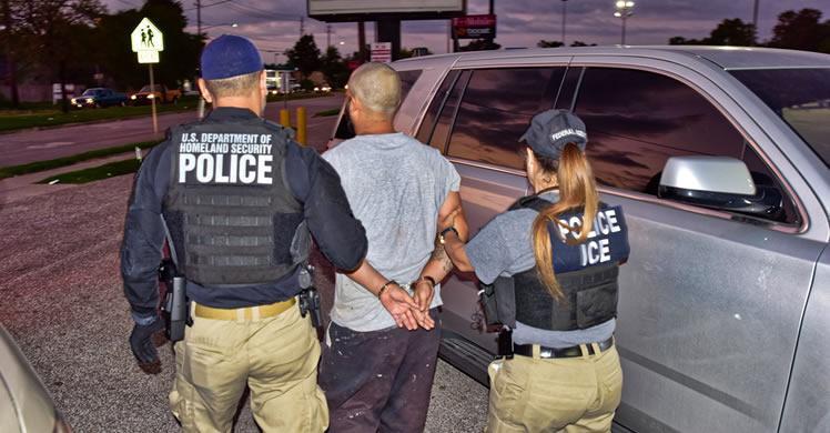 Imagen de archivo. César Díaz Rodríguez, un extranjero ilegal de 30 años de México, fue arrestado el 8 de octubre en Houston, Texas, por reingreso ilegal. (ICE)