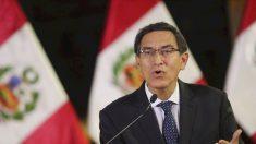 Presidente de Perú disuelve el Congreso y legisladores lo suspenden y reemplazan con vicepresidente