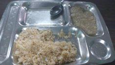 """""""Tres días comiendo arroz"""": foto del almuerzo de estudiantes cubanos desata cientos de críticas"""