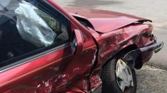 Paramédico argentino é assaltado e no dia seguinte, ao prestar socorro em acidente de carro, encontra seu equipamento roubado