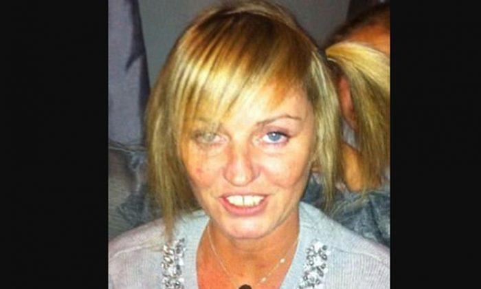 """Elaine Hines disse que sua filha, Amanda Gill, 41 anos, não tinha cérebro, coração ou olhos depois que morreu em um hospital, informou o Daily Mail. """"Eles roubaram tudo dentro dela"""", disse ela (Selfie no Facebook)"""