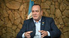 Régimen de Maduro impide ingreso a Venezuela a presidente electo de Guatemala