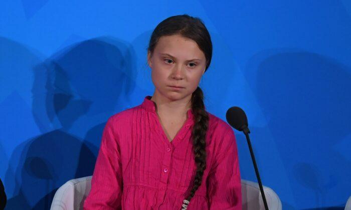 La activista del clima Greta Thunberg habla durante la Cumbre de Acción Climática de la ONU el 23 de septiembre de 2019 en la Sede de Naciones Unidas en la Ciudad de Nueva York. (TIMOTHY A. CLARY/AFP/Getty Images)