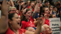 Escuelas públicas de Chicago cierran ante posible huelga de Sindicato de Maestros