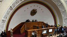 "Parlamento venezolano aprueba ""hoja de ruta"" sin cese de usurpación"