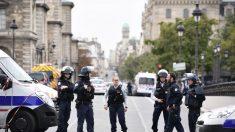 Fiscalía investiga como acto terrorista el asesinato de 4 policías en París