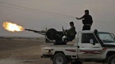 Turquía continúa su incursión en Siria y EE.UU. empieza a cumplir su promesa de destruir su economía