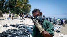 Petrobras afirma que petróleo derramado en playas brasileñas proviene de campos venezolanos