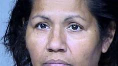 Acusan a madre hispana de Phoenix por esconder cocaína en el sostén de su hija de 13 años
