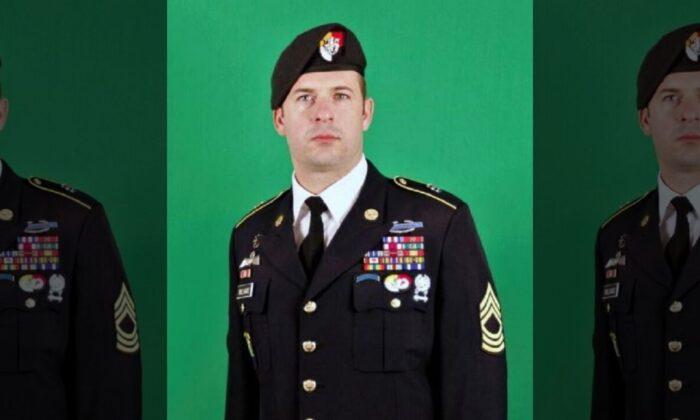 """El sargento mayor del ejército Matthew O. Williams recibirá la Medalla de Honor por sus acciones durante una batalla en Afganistán en 2008, descrita por un compañero soldado como una """"embestida de fuego y explosiones"""". (Ejército de los Estados Unidos)"""