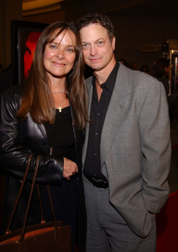 Gary Sinise, Moira Harris, esposos