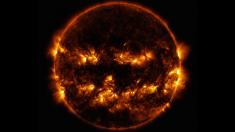 Impresionante foto de la NASA muestra al Sol como una escalofriante calabaza de Halloween