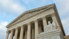 Los estados deberían poder enjuiciar a extranjeros ilegales por robo de identidad, dice Corte Suprema