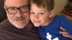 Padre gana custodia conjunta sobre su hijo de 7 años cuya madre quiere convertirlo en transgénero