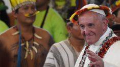 Até o Papa pressiona Bolsonaro?