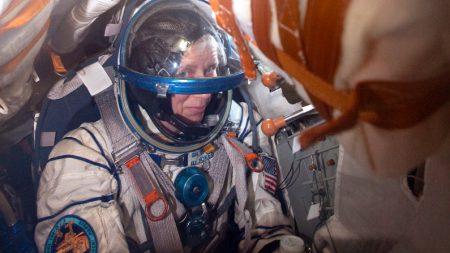 Astronauta da Nasa pede criação de hotéis no espaço para turistas