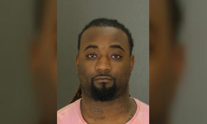 Javon Johnson, de 33 años, fue arrestado el 14 de octubre de 2019. (Departamento de Policía de Baltimore)