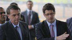 """Bolsonaro: petróleo pode ter sido despejado """"criminosamente"""""""