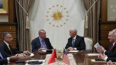 Vice-presidente dos EUA anuncia cessar-fogo em ofensiva turca na Síria